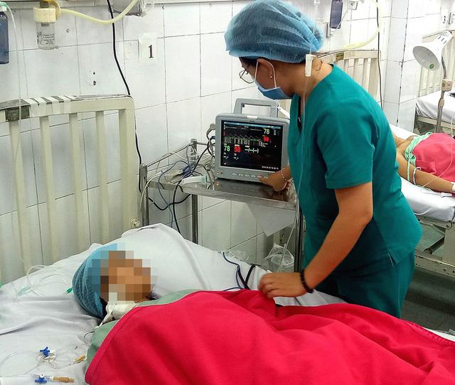 Cô gái trẻ suýt mất mạng vì mang thai ở sừng tử cung