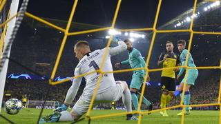 Liverpool thua sốc, Barca hòa may mắn ở lượt trận mở màn Cup C1