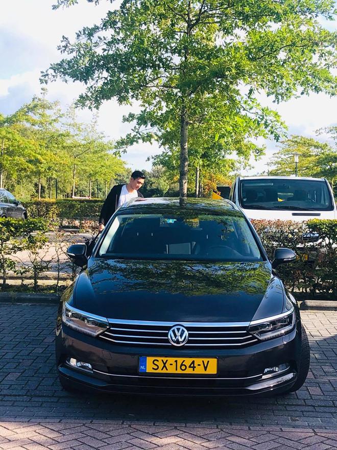 Ngắm nhà đẹp và ô tô tiền tỷ của Văn Hậu tại Hà Lan2