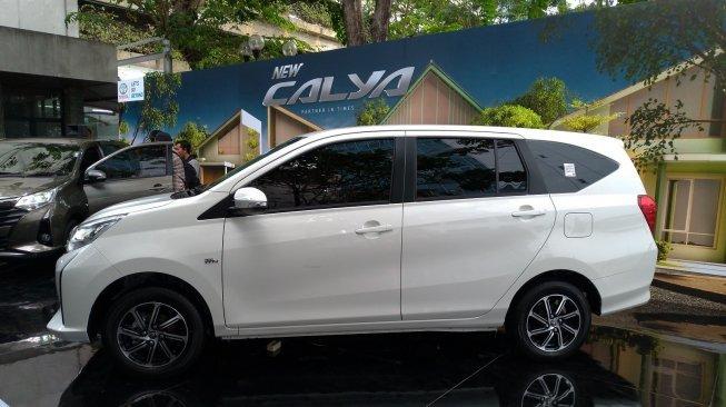 Toyota gây sốt khi ra mắt MPV giá rẻ chỉ từ 227 triệu đồng