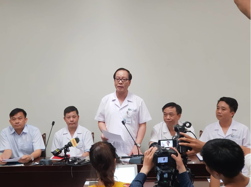 Bé trai bị bỏ quên trên xe đưa đón ở Bắc Ninh được xuất viện hôm nay