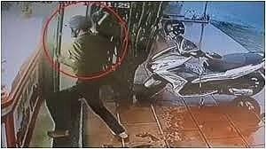 Tin mới nhất vụ 2 thanh niên xịt hơi cay vợ chồng chủ tiệm, cướp vàng ở Nam Định