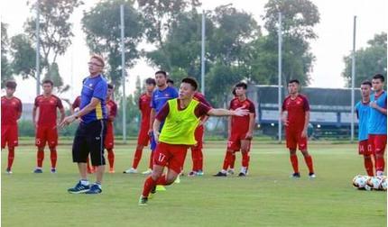 HLV Philippe Troussier khắc phục điểm yếu chết người của U19 Việt Nam
