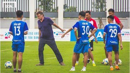 HLV Philippe Troussier: 'Chúng tôi đang chuẩn bị cho World Cup 2026'