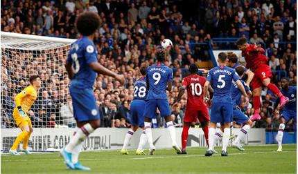 Liverpool đánh bại Chelsea, Arsenal ngược dòng đánh bại Aston Villa
