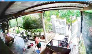 Sang nhà hàng xóm gây sự, người đàn ông bị chém tử vong