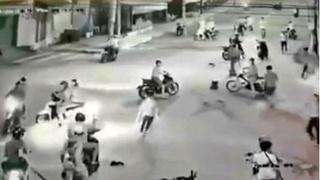 Hàng chục thanh niên gây náo loạn đường phố, tấn công dân phòng