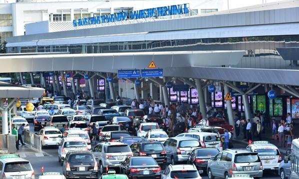 Đề xuất lập bãi đậu taxi ga quốc tế để 'giải cứu' ùn tắc ở Tân Sơn Nhất