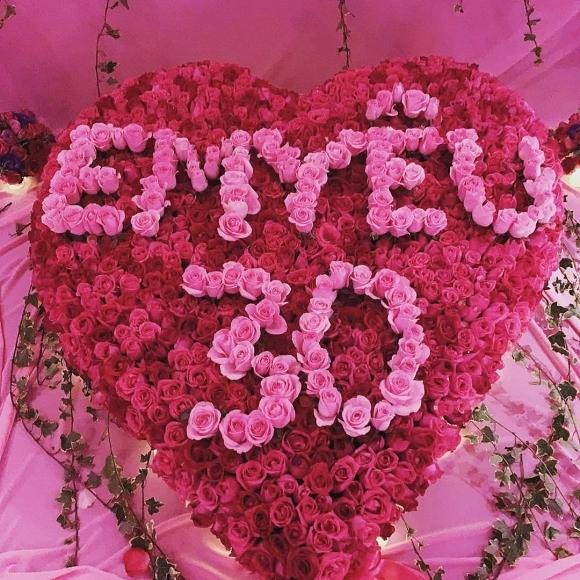 Ngọc Trinh được bạn trai tổ chức sinh nhật toàn màu hồng trước tin đồn chia tay