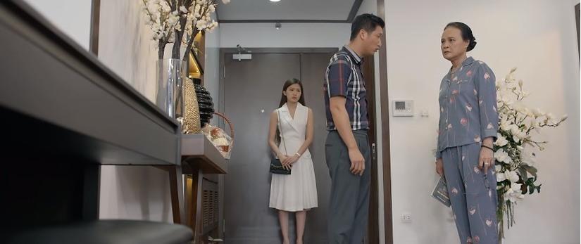 'Hoa hồng trên ngực trái' tập 18: Mẹ Thái ức chảy nước mắt khi thấy con trai dẫn Trà về nhà