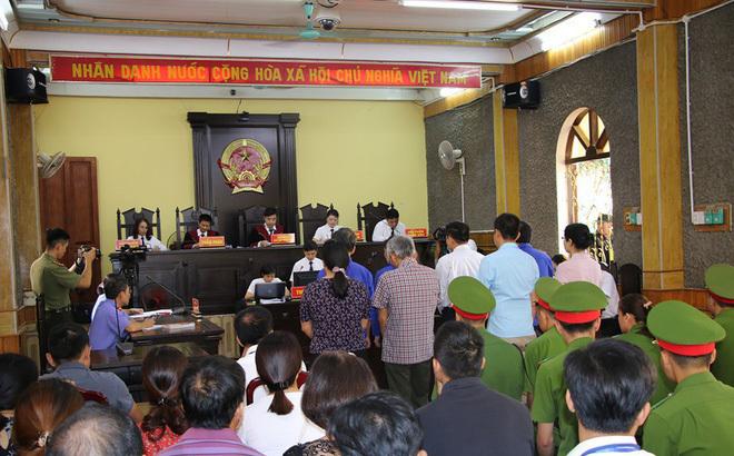 Triệu tập 27 nhân chứng quan trọng tới tòa vụ gian lận thi cử ở Sơn La