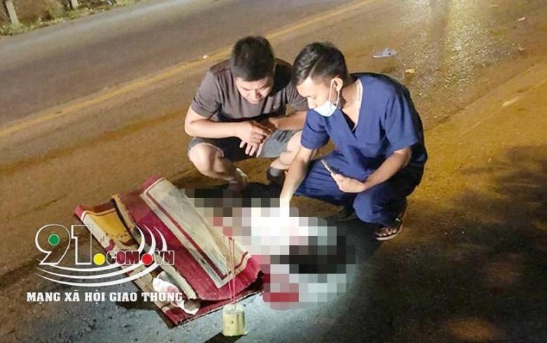 Nam Định: Va chạm với xe khách, 2 bà cháu thiệt mạng