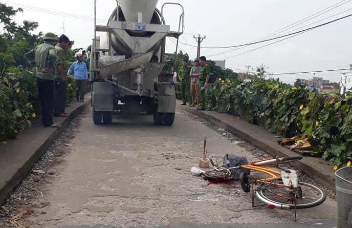 Nam Định: Bé trai 10 tuổi bị xe bồn đâm tử vong