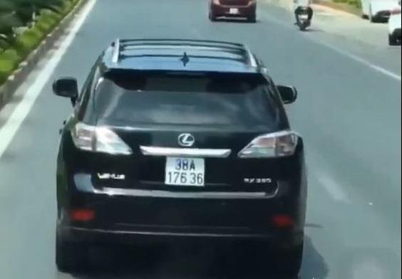Lộ diện tài xế xe Lexus nghênh ngang chặn đường xe cứu hỏa đang làm nhiệm vụ