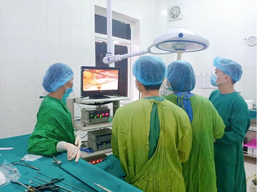 Người đàn ông bị thủng dạ dày vì lạm dụng thuốc giảm đau