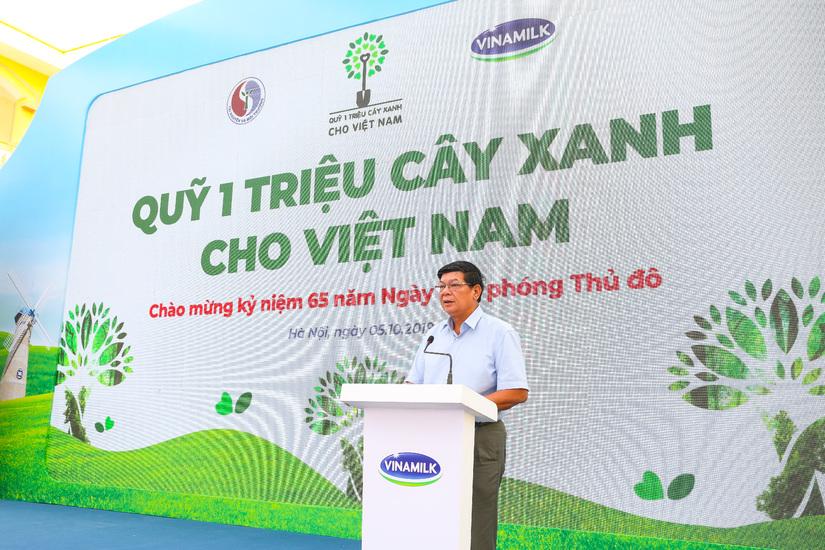 Vinamilk chung tay bảo vệ môi trường thủ đô thông qua quỹ 1 triệu cây xanh cho Việt Nam