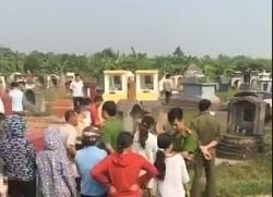 sát hại phi tang xác ở nghĩa trang: Chồng cũ gục khóc bên thi thể vợ
