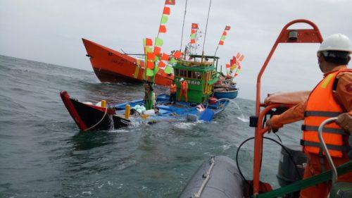 Bắt giữ Trưởng phòng đòi chia % tiền bảo hiểm của ngư dân tử vong