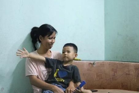 Cậu bé chưa học chữ đã biết đọc vanh vách sách, truyện ở Hải Phòng3