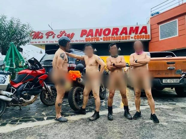 Phẫn nộ với 4 người đàn ông khỏa thân chạy xe máy trên đèo Mã Pì Lèng3