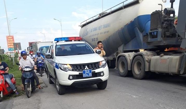 Hải Dương: Va chạm với xe container, học sinh lớp 3 tử vong