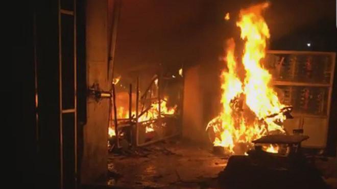 Người đàn ông nhốt 6 con trong nhà rồi phóng hỏa vì vợ bỏ đi