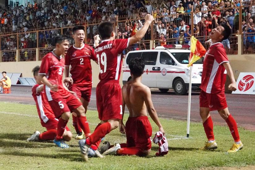 CĐV Thái Lan thừa nhận bóng đá Việt Nam đã vượt bóng đá xứ chùa Vàng