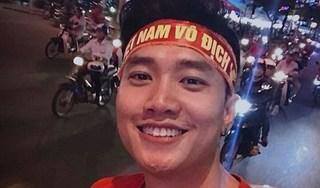 Việt Nam thắng Malaysia, Quốc Trường đi bão, Vượng Râu làm thơ