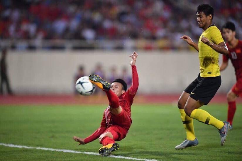 CĐV quốc tế bái phục sức mạnh vượt trội của Việt Nam trước Malaysia