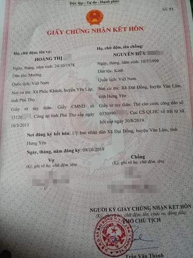 Cặp đôi gây bão mạng, cô dâu hơn chú rể 21 tuổi ở Hưng Yên