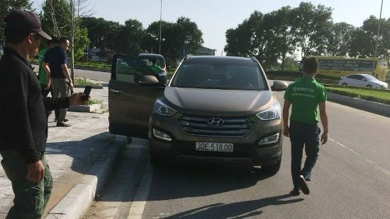 Truy tìm các đối tượng đi ô tô đánh dã man nạn nhân sau va chạm giao thông
