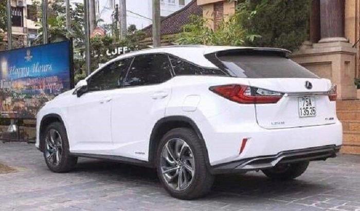 Vụ cấp biển số VIP cho xe Lexus ở Huế: Xác định danh tính 2 công an bị đình chỉ