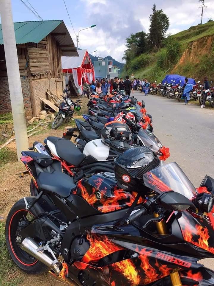 Choáng ngợp với đám cưới rước dâu bằng dàn xe motor siêu khủng ở Lào Cai