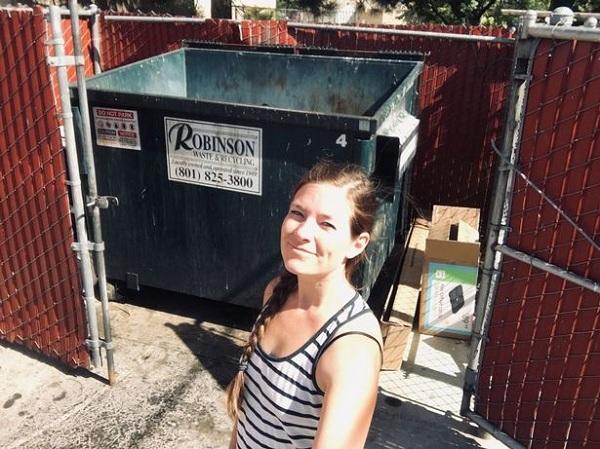 Cho con ăn đồ ở thùng rác, mẹ tiết kiệm 7 triệu đồng mỗi tháng2