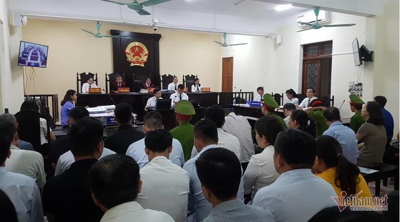 Vợ ông Triệu Tài Vinh vắng mặt tại phiên xử vụ gian lận điểm thi ở Hà Giang