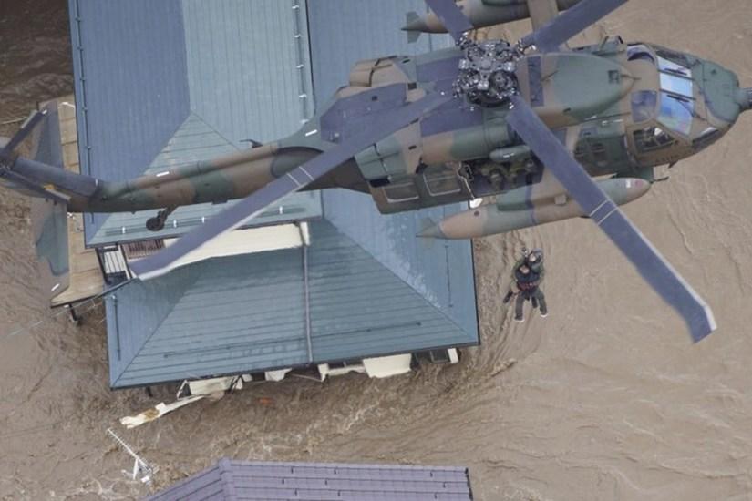 Rơi khỏi trực thăng giải cứu sau bão Hagibis, cụ bà thiệt mạng thương tâm