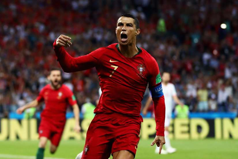 C.Ronaldo nói gì khi cán mốc 700 bàn thắng trong sự nghiệp?