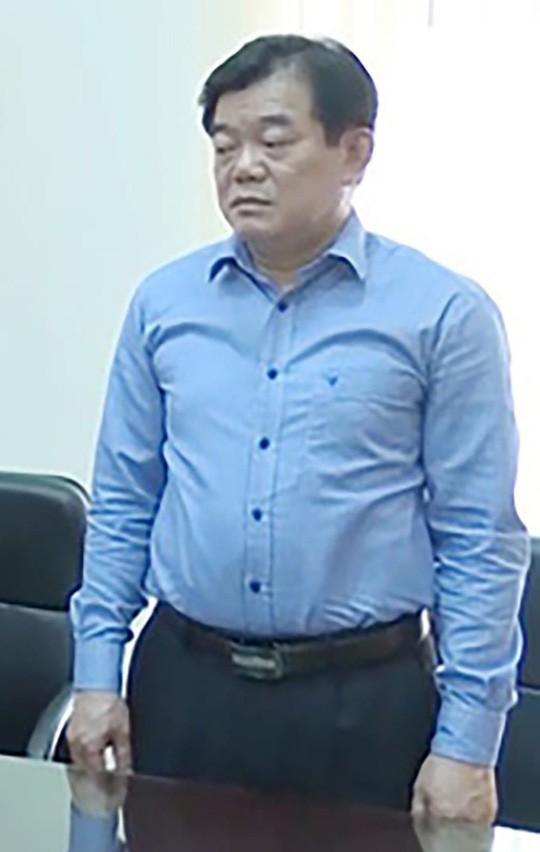 Ông Hoàng Tiến Đức lại vắng mặt, luật sư đề nghị áp giải tới tòa xử vụ gian lận thi cử Sơn La