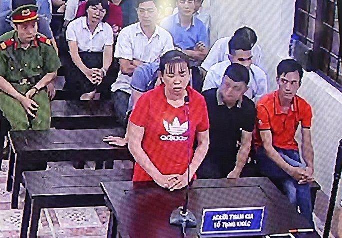 Xét xử vụ gian lận điểm thi ở Hà Giang: Con lợn nhựa chứa thẻ nhớ biến mất bí ẩn
