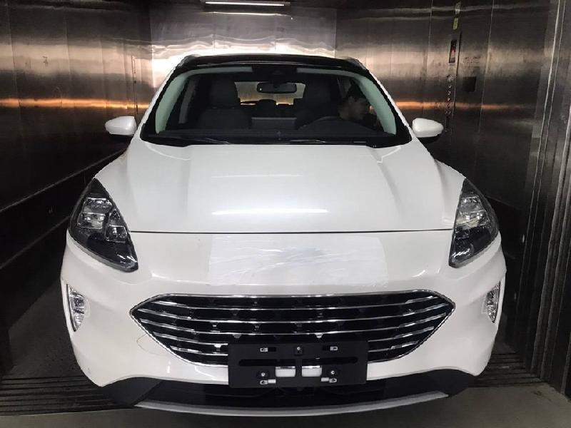 Ford Escape 2020 lộ diện ở Việt Nam, thiết kế đẹp lung linh2