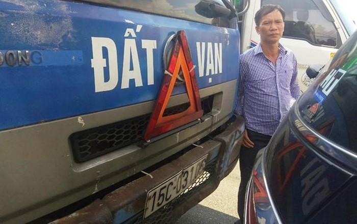Được đền bù sau va chạm, tài xế tìm người gây tai nạn để trả lại tiền thừa sửa xe