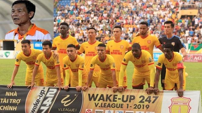 HLV Nam Định chia sẻ xúc động sau khi giúp đội nhà trụ hạng thành công