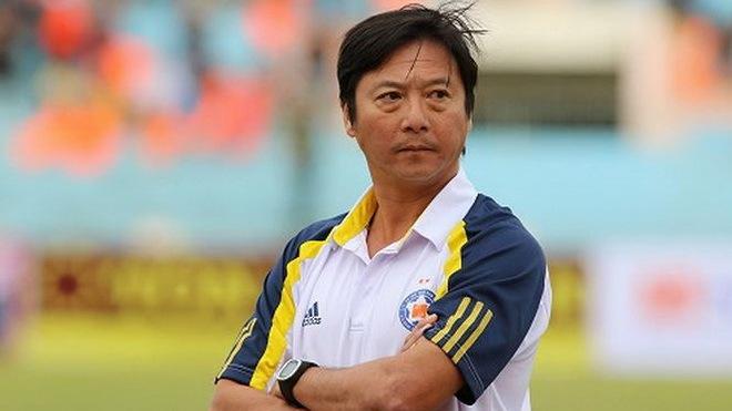 HLV Huỳnh Đức lại đổ lỗi trận thua của SHB Đà Nẵng, lần này là tại... thầy Park