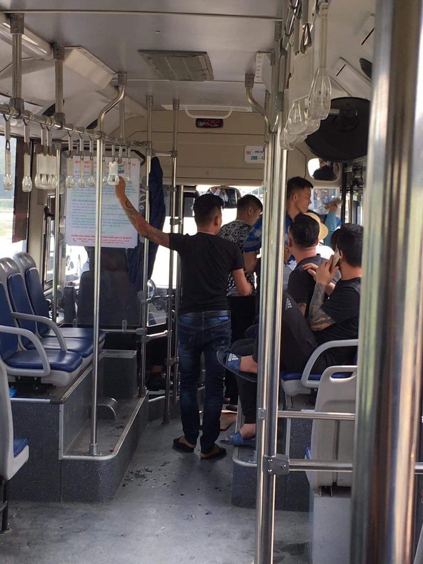 Danh tính 5 đối tượng đánh nữ nhân viên xe buýt nhập viện