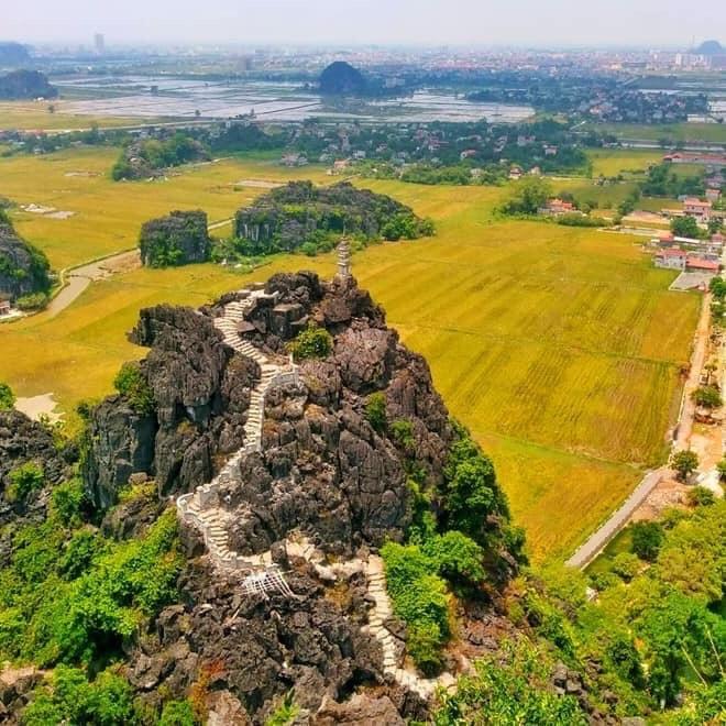 Sen nở rộ, lúa trải vàng ở địa điểm check-in hot nhất Ninh Bình 5