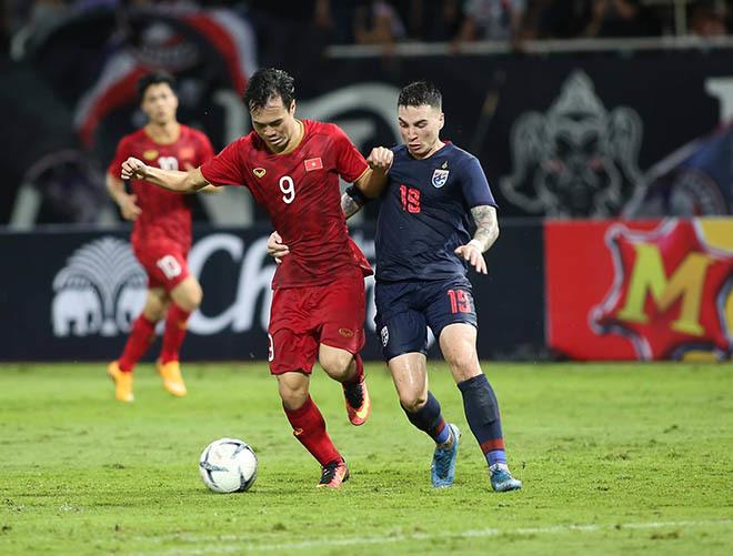 Liên đoàn bóng đá Thái Lan cảnh cáo BHL của ĐTQG và đội U22 Thái Lan