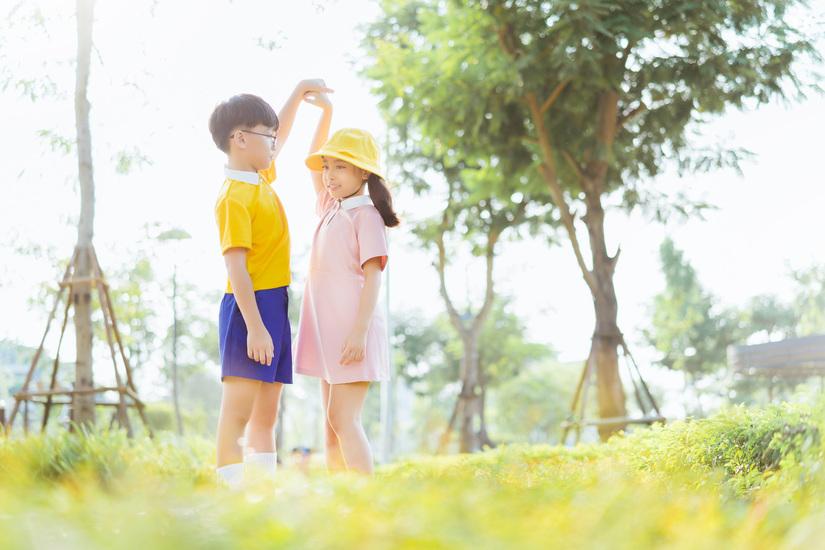 Cặp mẫu nhí nổi tiếng Hà Thành đáng yêu trong bộ ảnh Nobita và XuKa6