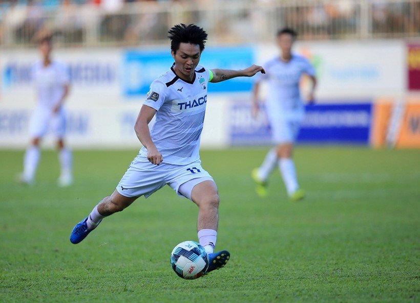 Tiền vệ Tuấn Anh muốn tri ân người hâm mộ bằng trận cầu đẹp mắt trước Khánh Hòa