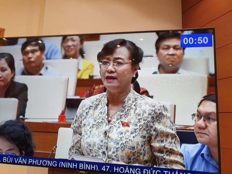 Bà Nguyễn Thị Quyết Tâm rơi nước mắt khi phát biểu trước Quốc hội