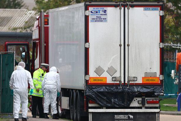 Lộ lý do khiến 39 người chết trong xe container ở Anh2